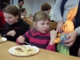 Eiersuchen und Basteln zu Ostern
